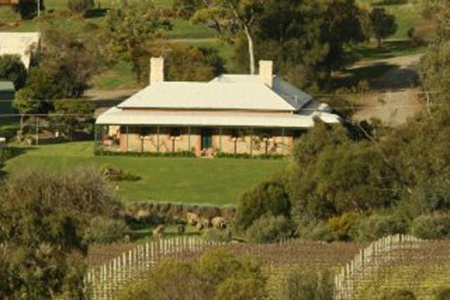 ipic360.com listing search / Oliver\'s White Hill Estate