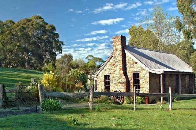 ipic360.com listing search / Adelaide Hills Country Cottages